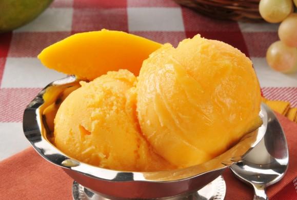 Sorbet z mango i szampana