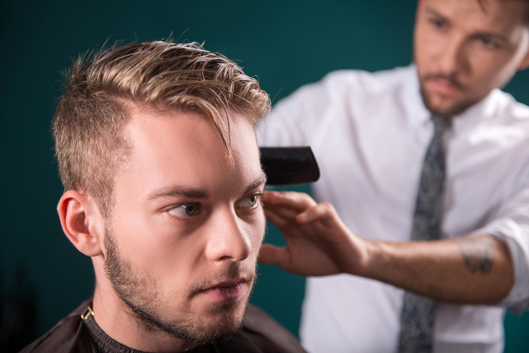 Męskie włosy  w dobrych rękach