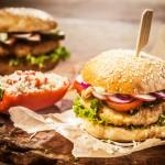 Hamburger wegetariański po włosku. Po jego zjedzeniu nie będziesz mieć żadnych wyrzutów sumienia