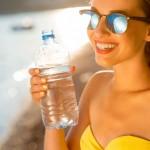 Latem powinniśmy pić więcej wody!
