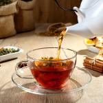 Nawadniaj organizm zimą. Oto zdrowe herbatki ziołowe, którą ułatwią Ci to zadanie