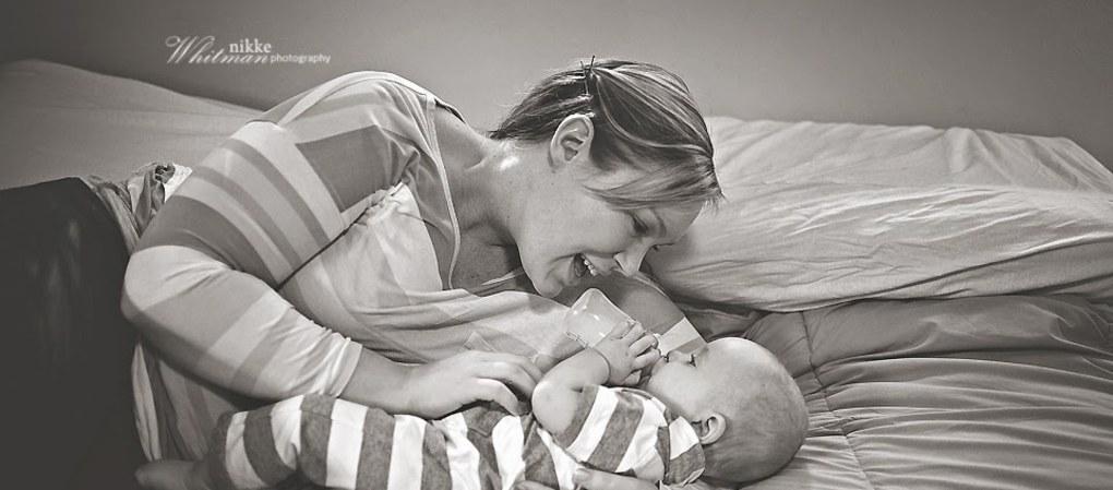 """""""Karmienie butelką jest piękne"""": zdjęcia, które udowadniają, że karmienie  dziecka butelką  nie jest gorsze od karmienia piersią"""