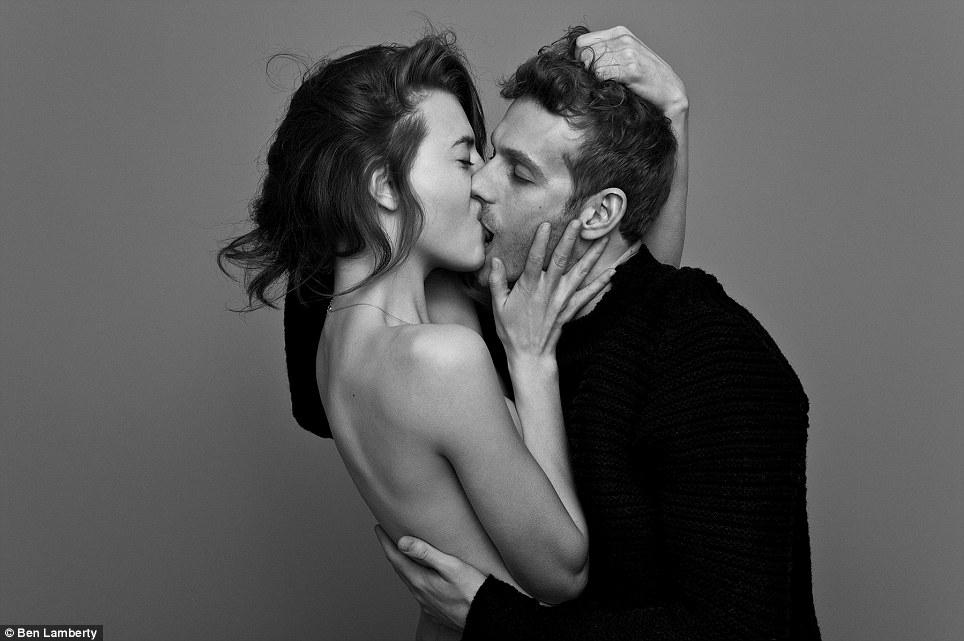 Całujące się pary uchwycone na zdjęciach: Najromantyczniejszy i najbardziej namiętny projekt roku