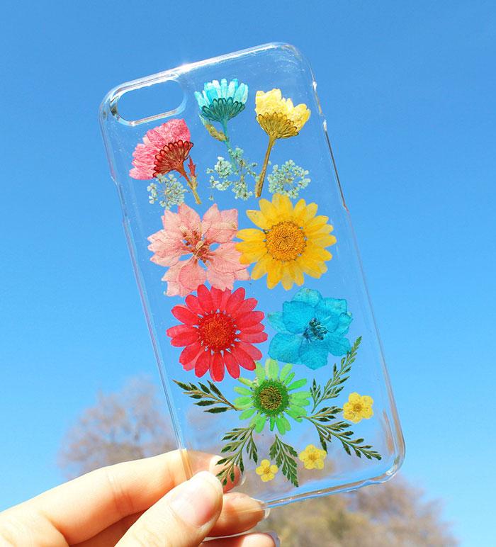 Flower power celebruj nadejscie wiosny z case'ami  pełnymi zywych kwiatow