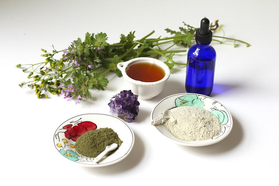 Naturalne piękno Uzdrawiajaca maseczka z zielonej glinki i miodu oczysci skore z toksycznych substancji2