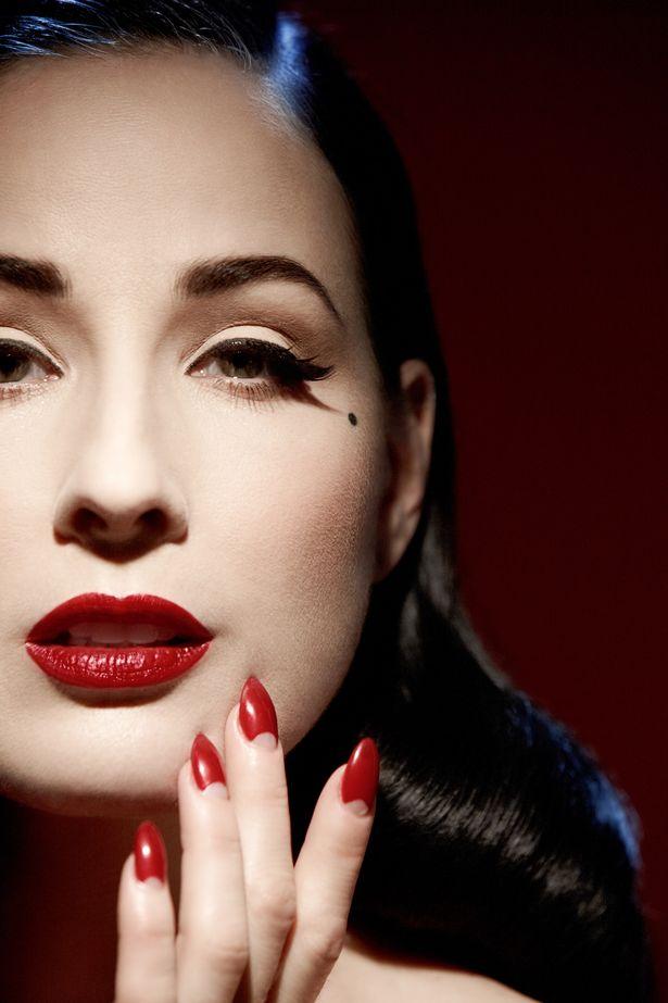 czerwona szminka 5