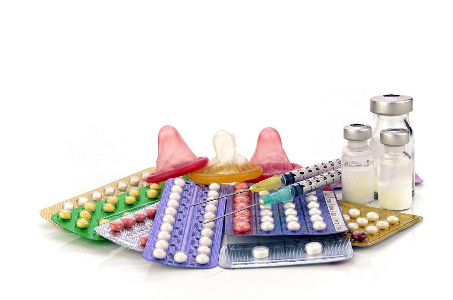 Nie tylko prezerwatywa? Co Polki wiedzą o antykoncepcji i jak podejmują decyzje o jej wyborze?
