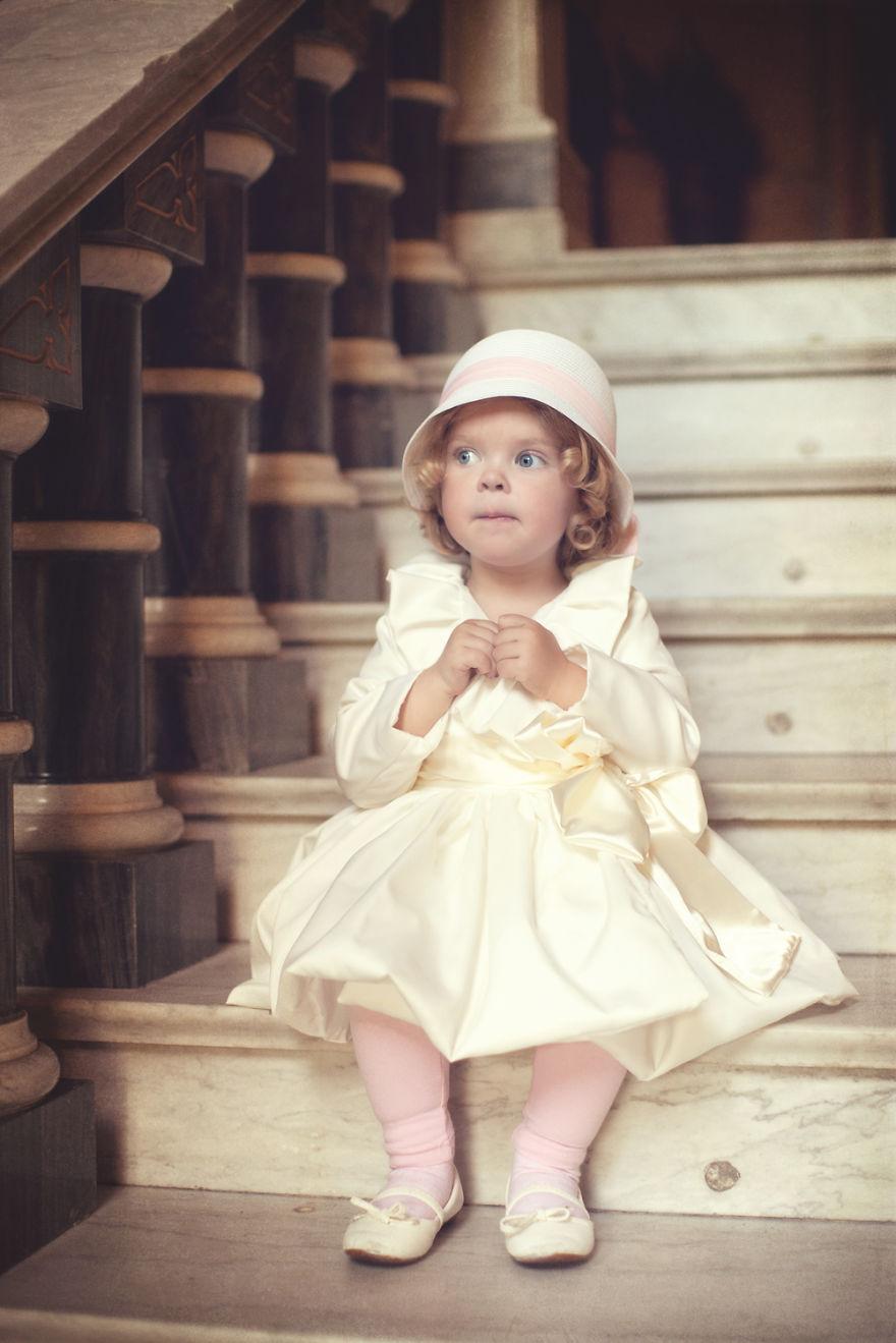 Polka swoim hobby zauroczyla cały swiat. Tworzy magiczne kostiumy dla swoich dzieci i fotografuje je w bajowej scenerii12
