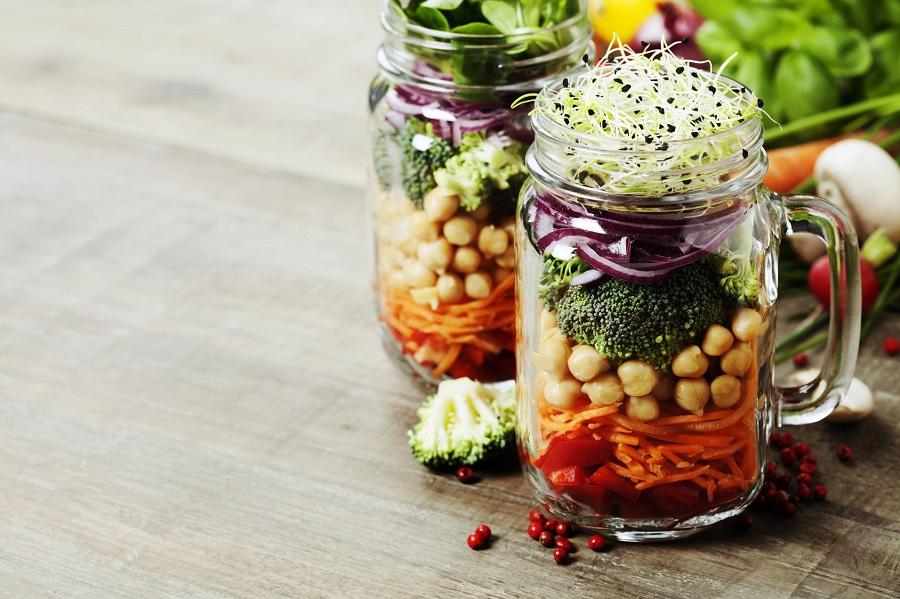 Pomysl Na Obiad Do Pracy Salatka W Sloiku Proste I Sprawdzone