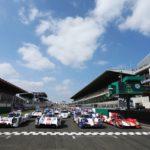 Brad Pitt da sygnał do startu na 24-godzinnym wyścigu w Le Mans