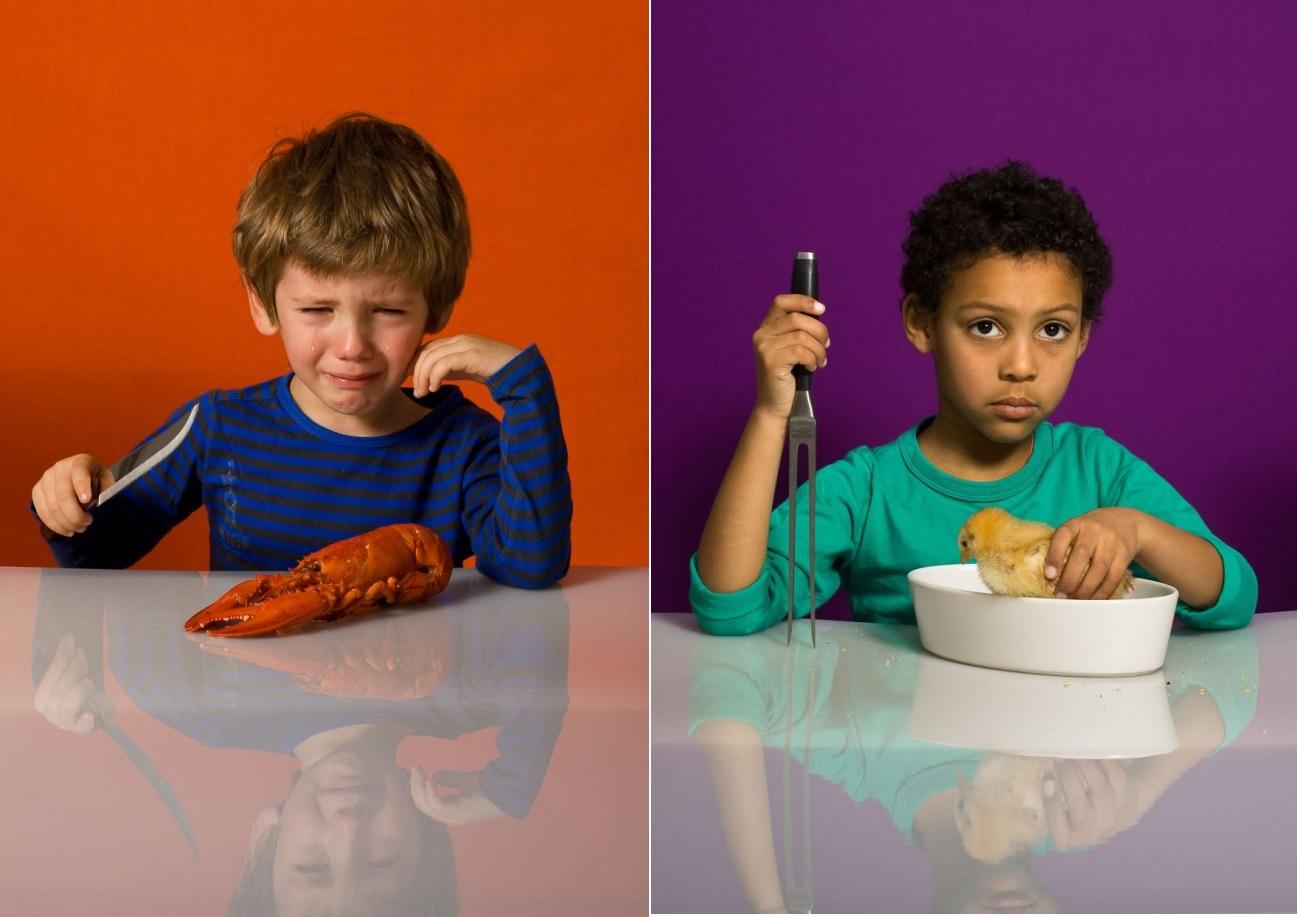 Nie jem zwierząt, to moi przyjaciele!  Polka  przeprowadziła fotoeksperymen z udziałem dzieci. Ich rekcja skłania do refleksji