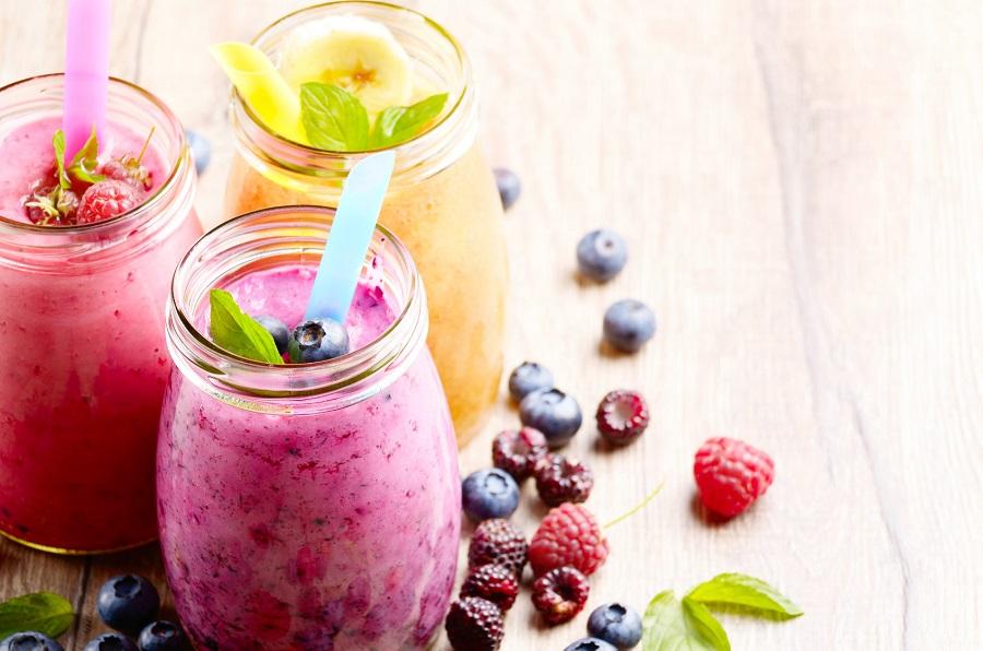 Zdrowe smoothies dla promiennej cery: szybkie i łatwe przepisy