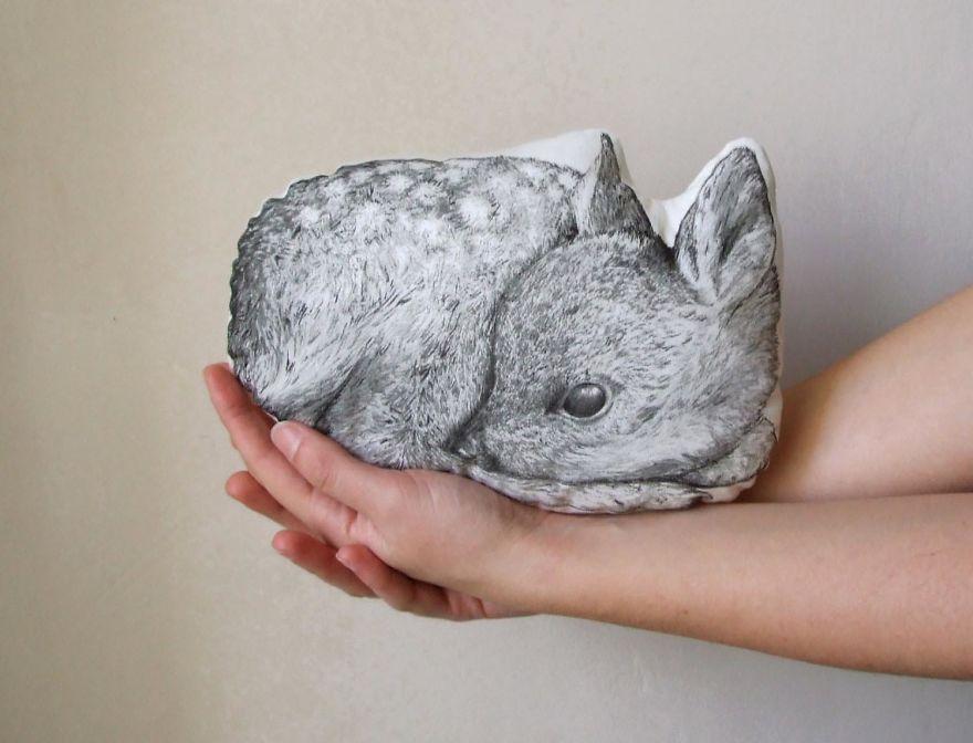 Tworzy niezwykle poduszki w ksztalcie zwierzat dla ludzi ktorzy kochaja natura, sny i basnie10