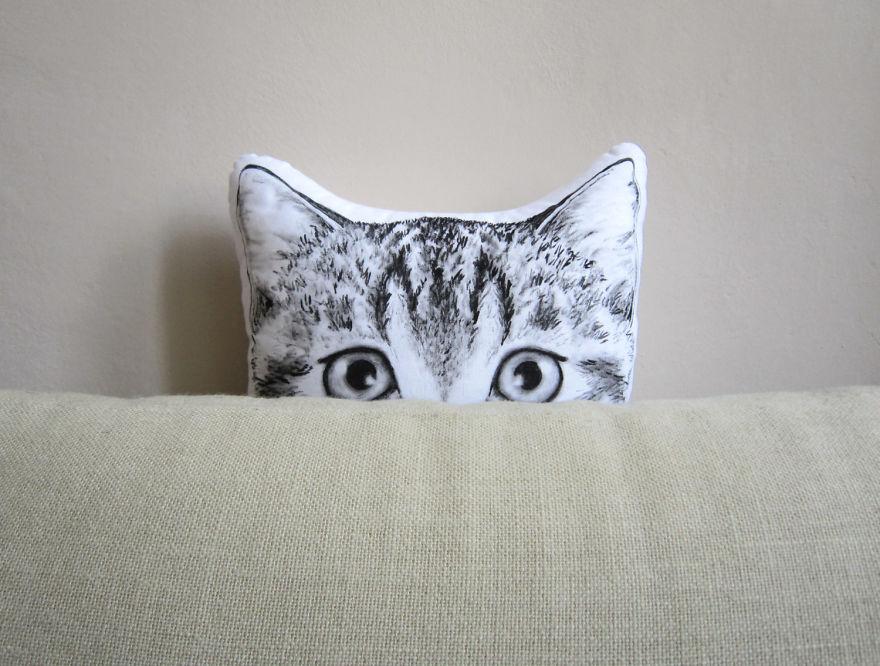 Tworzy niezwykle poduszki w ksztalcie zwierzat dla ludzi ktorzy kochaja natura, sny i basnie3