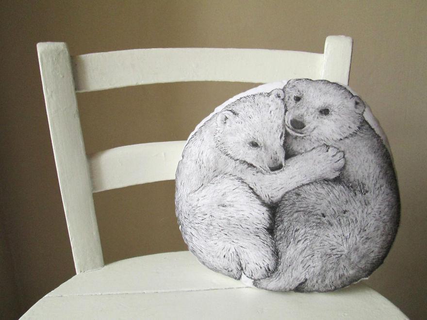 Tworzy niezwykle poduszki w ksztalcie zwierzat dla ludzi ktorzy kochaja natura, sny i basnie6