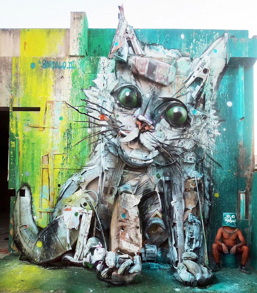 artysta-przemienia-smieci-w-rzezby-zwierzat5