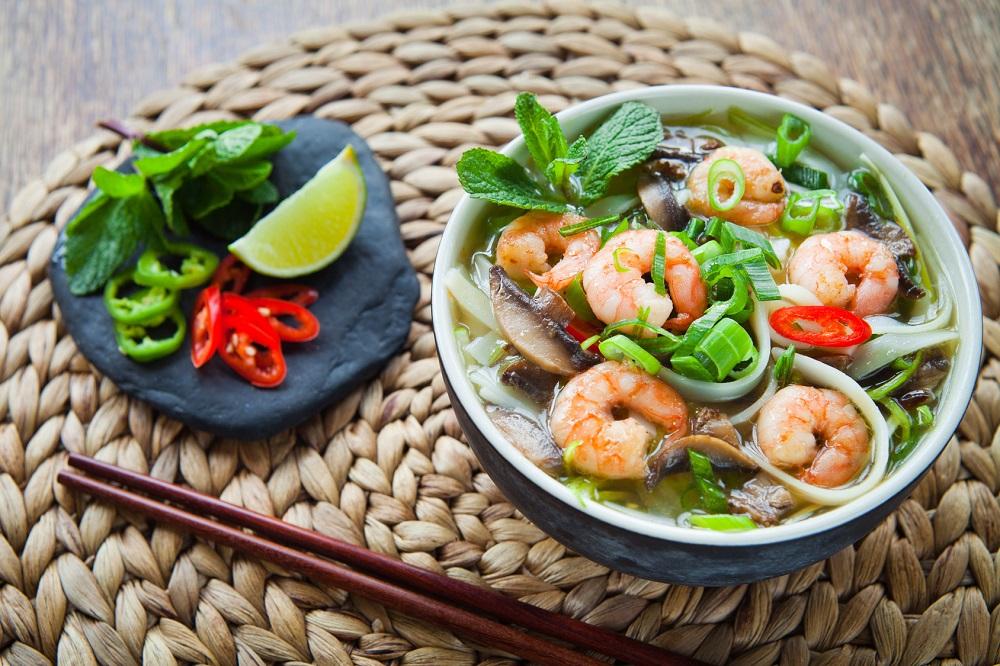Bezglutenowa zupa tom yam: idealna dla alergików