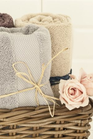 Towels and rose
