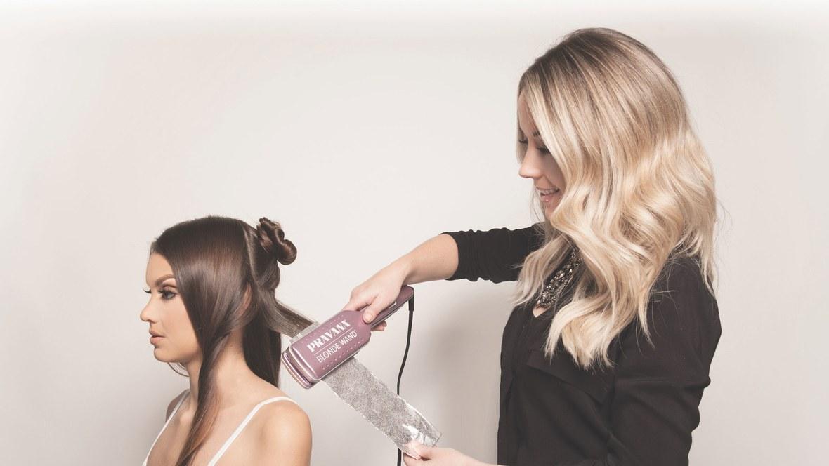 Prostownica, która prostuje i rozjaśnia włosy jednoczenie (bez niszczenia ich)