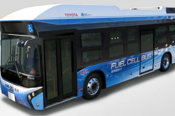 wodorowy-autobus-toyoty-niczym-mobilna-mini-elektrownia