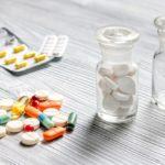 Niebezpieczne połączenie – nigdy nie mieszaj ze sobą tych leków!
