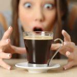 Przedawkowanie kofeiny – co zrobić?